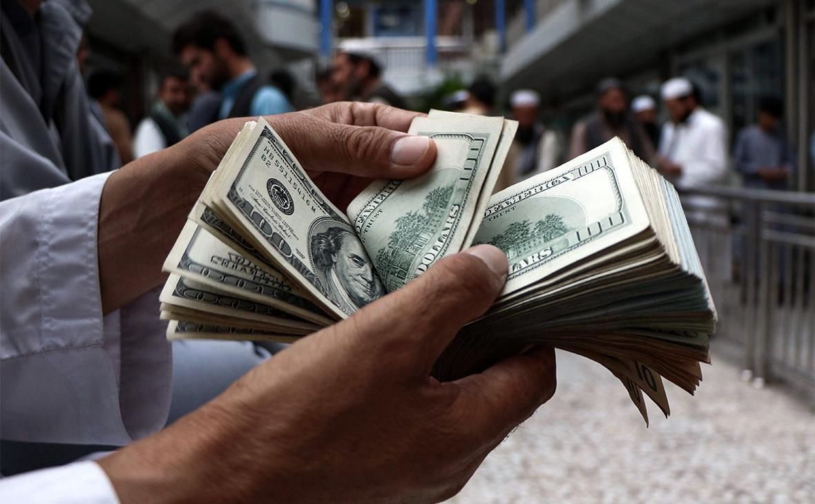 Курс доллара в августе 2021 года по дням