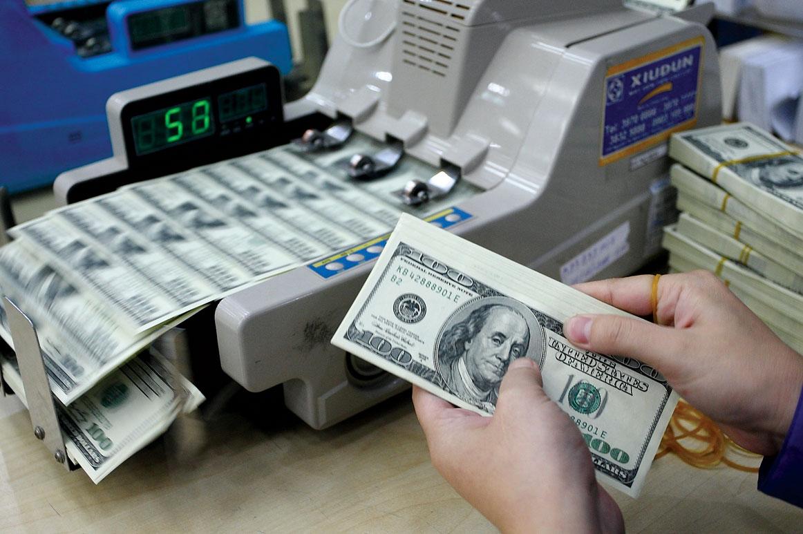 В какой день недели лучше покупать доллары